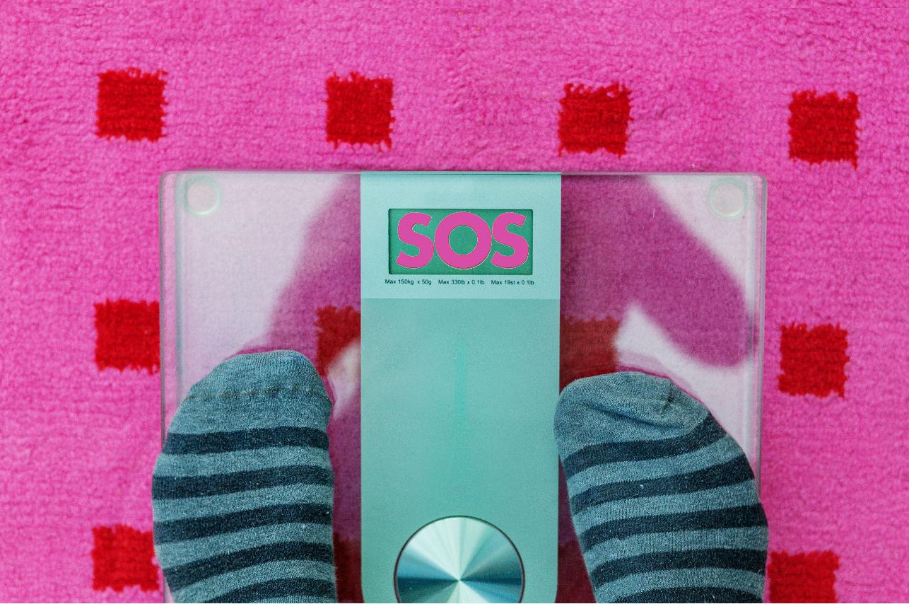 Elegir tus alimentos según la cantidad de calorías te está haciendo subir de peso