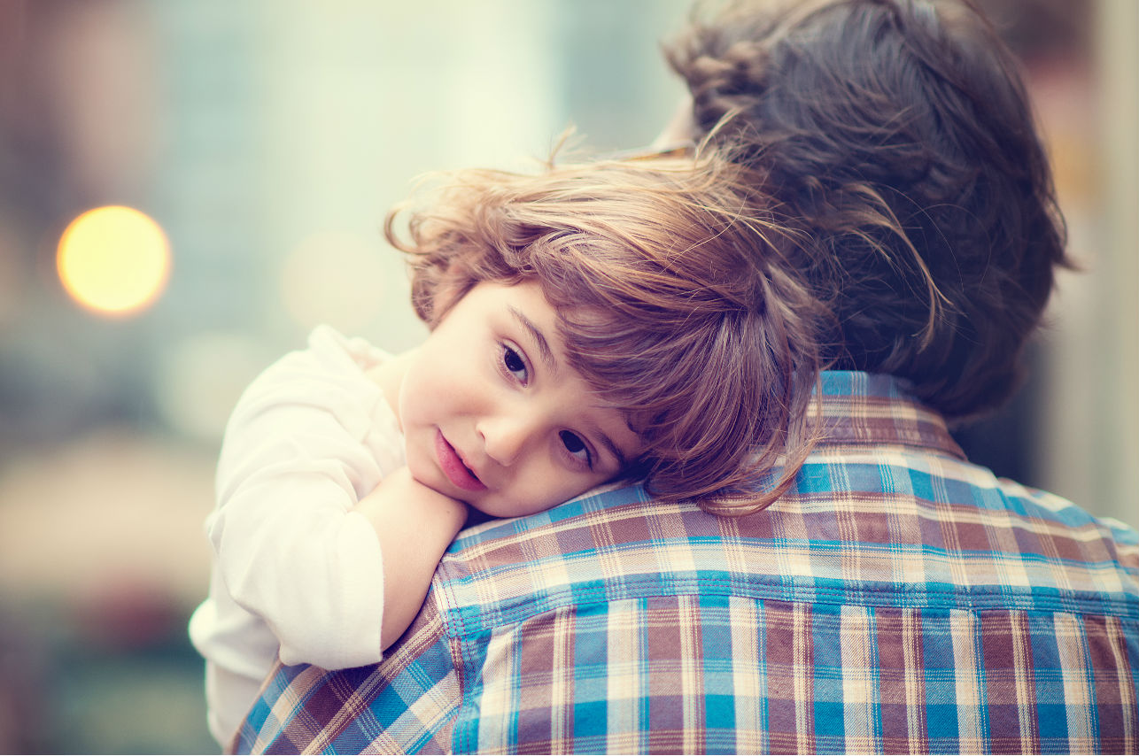 Papás solteros: el reto de cuidar a los hijos