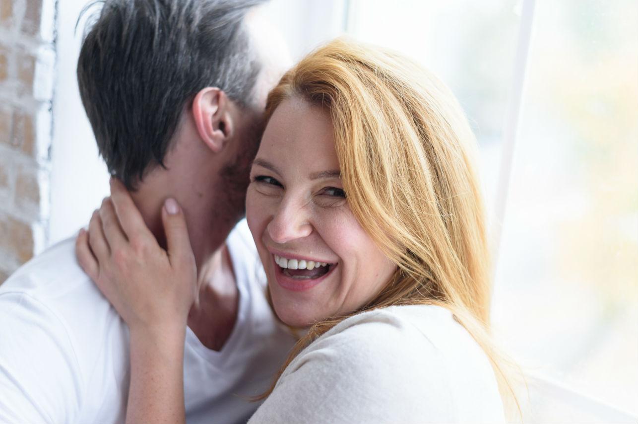 Lo que debes tener en cuenta cuando tu pareja es mucho mayor que tú