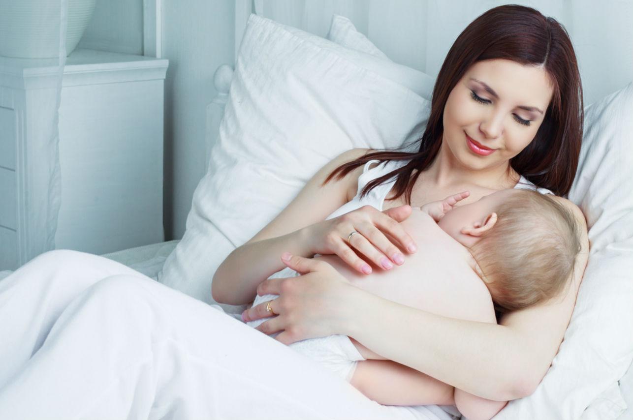 7 alimentos que debe consumir durante la lactancia (por ti y por tu bebé)