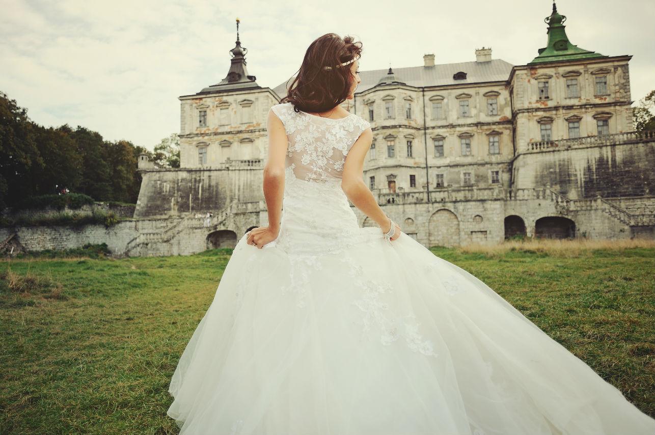 Los 7 tipos de escote que puede llevar tu vestido de novia