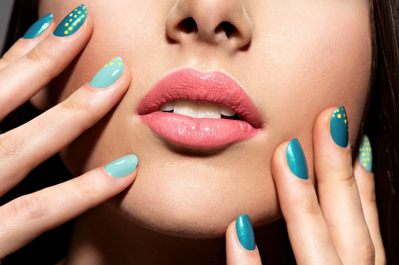 El inesperado y sencillo método para secar las uñas de inmediato