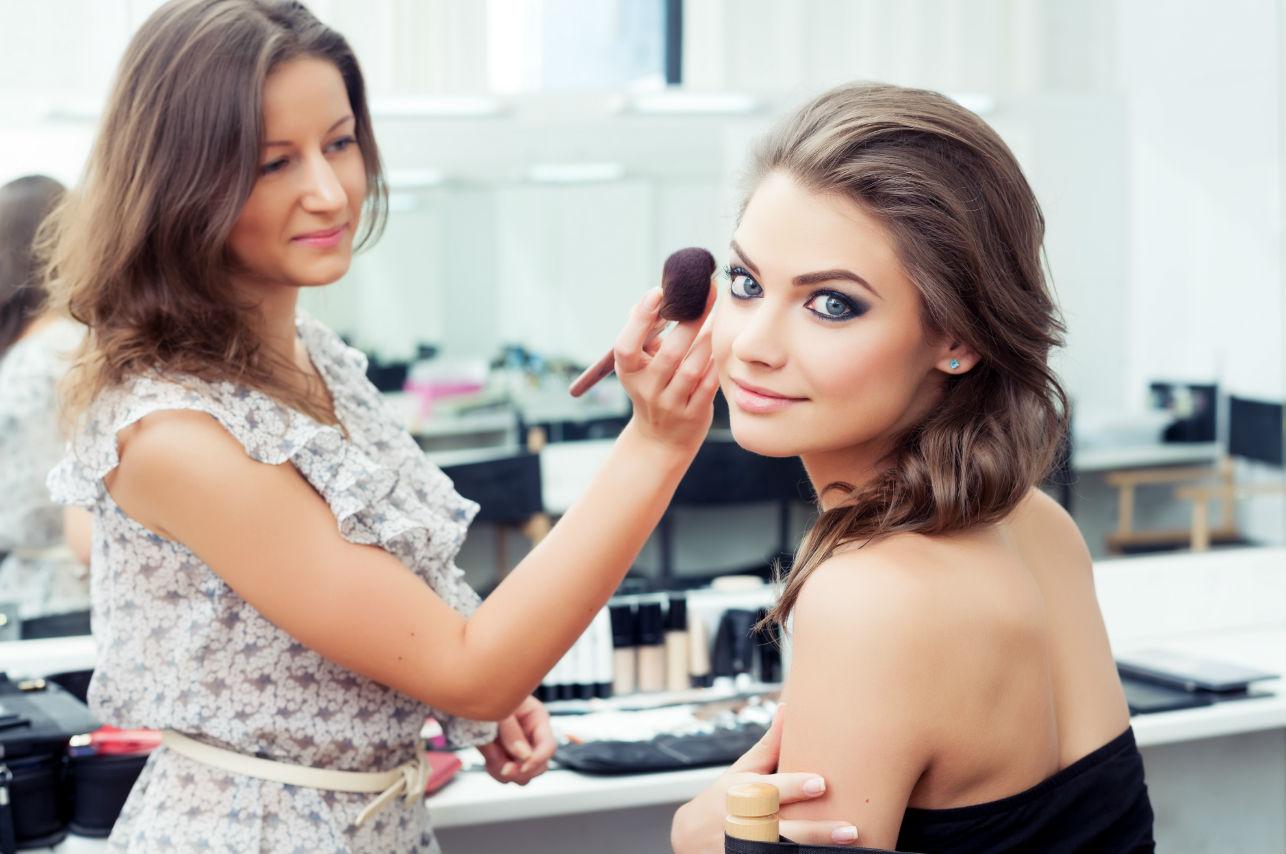 Los 8 básicos para lograr un maquillaje al natural