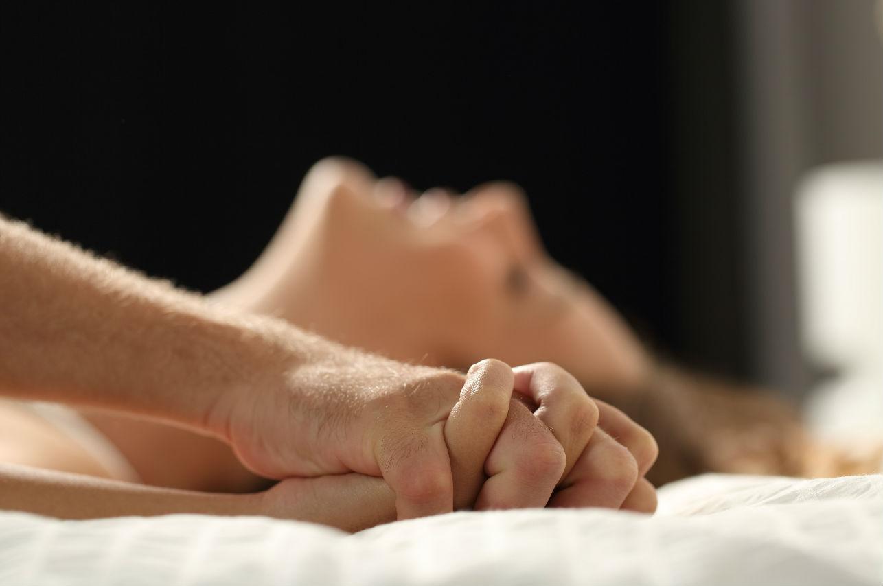 5 posiciones que les ayudarán a sentir más placer… ¡Comprobadas!