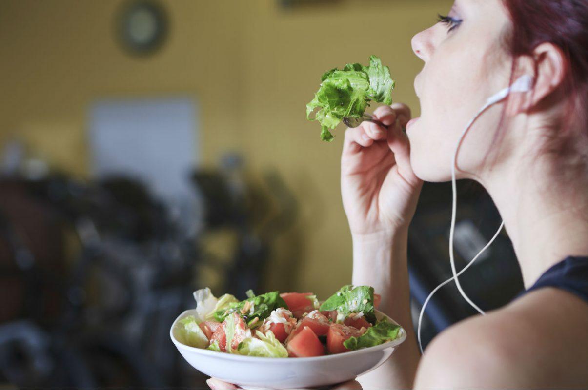 4 trucos mentales para comer más sano (según estudio)