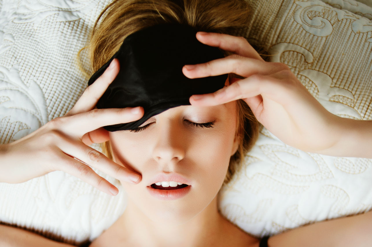 ¿Te despiertas a mitad de la noche? Tu cuerpo está tratando de decirte algo