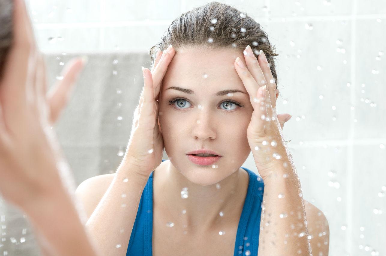 7 cosas que SÍ hace una mujer que sabe cuidar su rostro