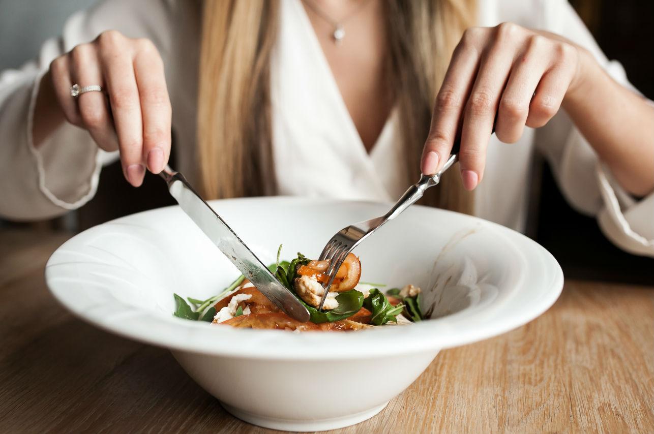 ¿Sabías que la obsesión por comer sano podría causarte desnutrición?