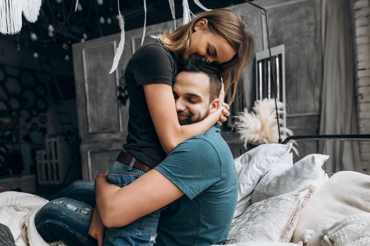 Los 10 gestos más reveladores de un hombre enamorado