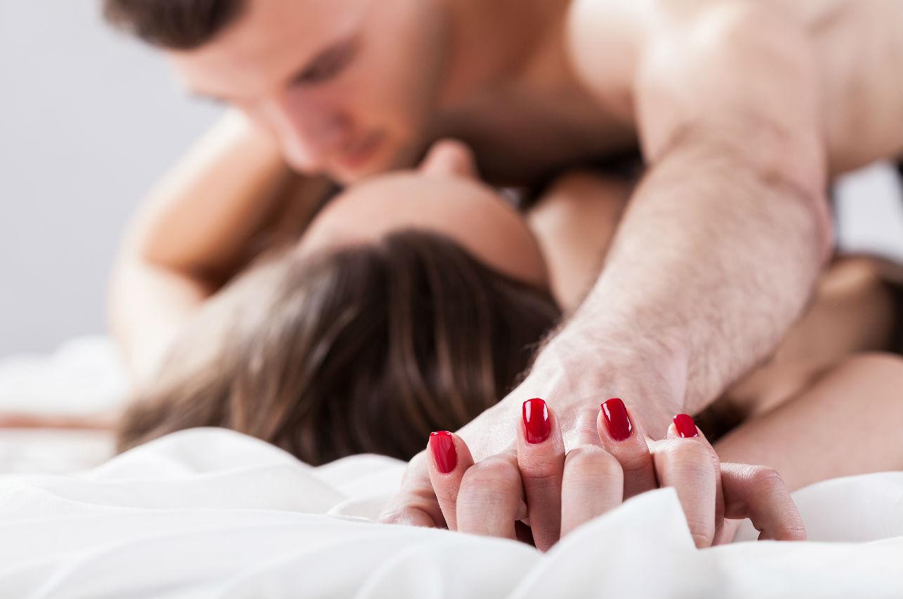 10 cosas que no debes decirle a él durante la intimidad