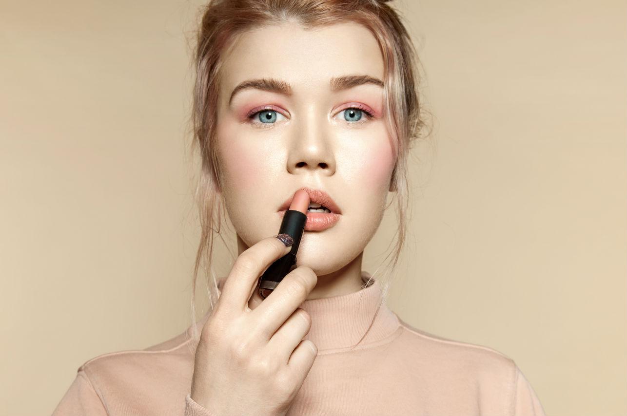 ¿Cómo saber tu tono de lipstick perfecto?