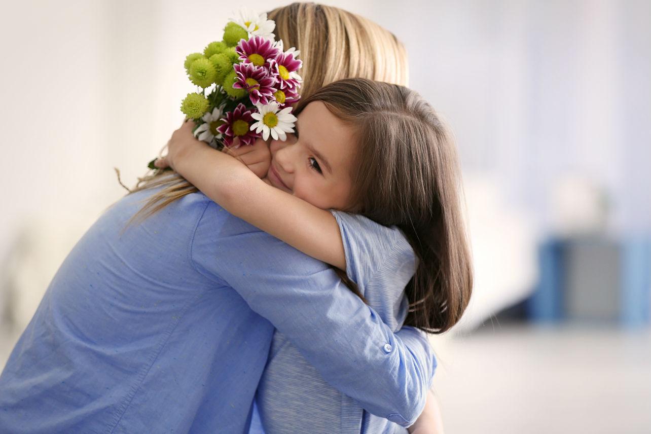 El síndrome de la mamá gallina y como afecta la seguridad de los hijos