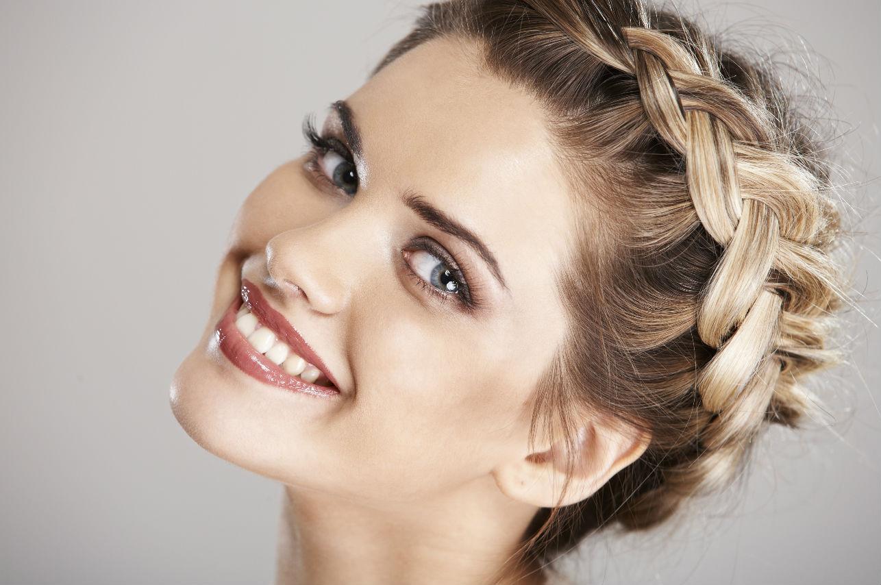 7 sencillos y elegantes peinados perfectos para estas fechas