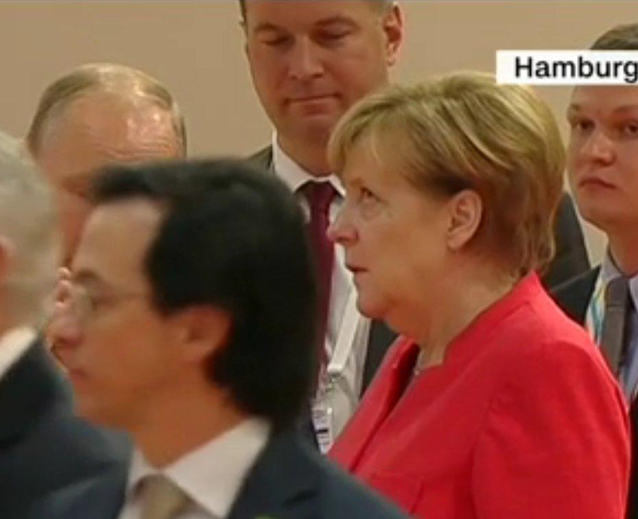 "Angela Merkel reacciona igual que tú al ""mansplaining"""
