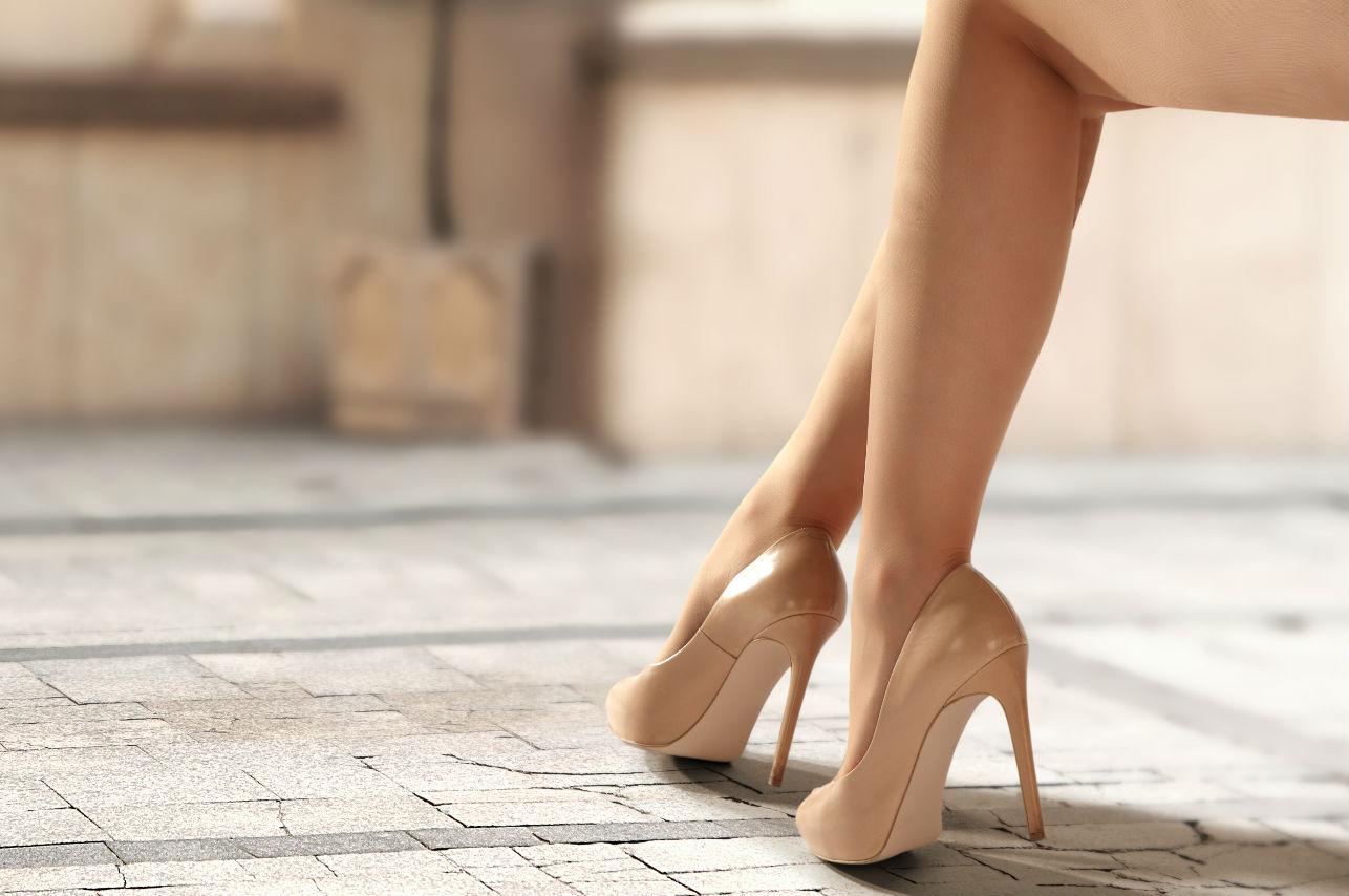 Los 10 mejores motivos para usar zapatos nude esta temporada