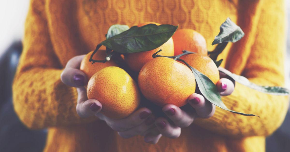 Beber jugo de naranja hace más daño que tomar refresco