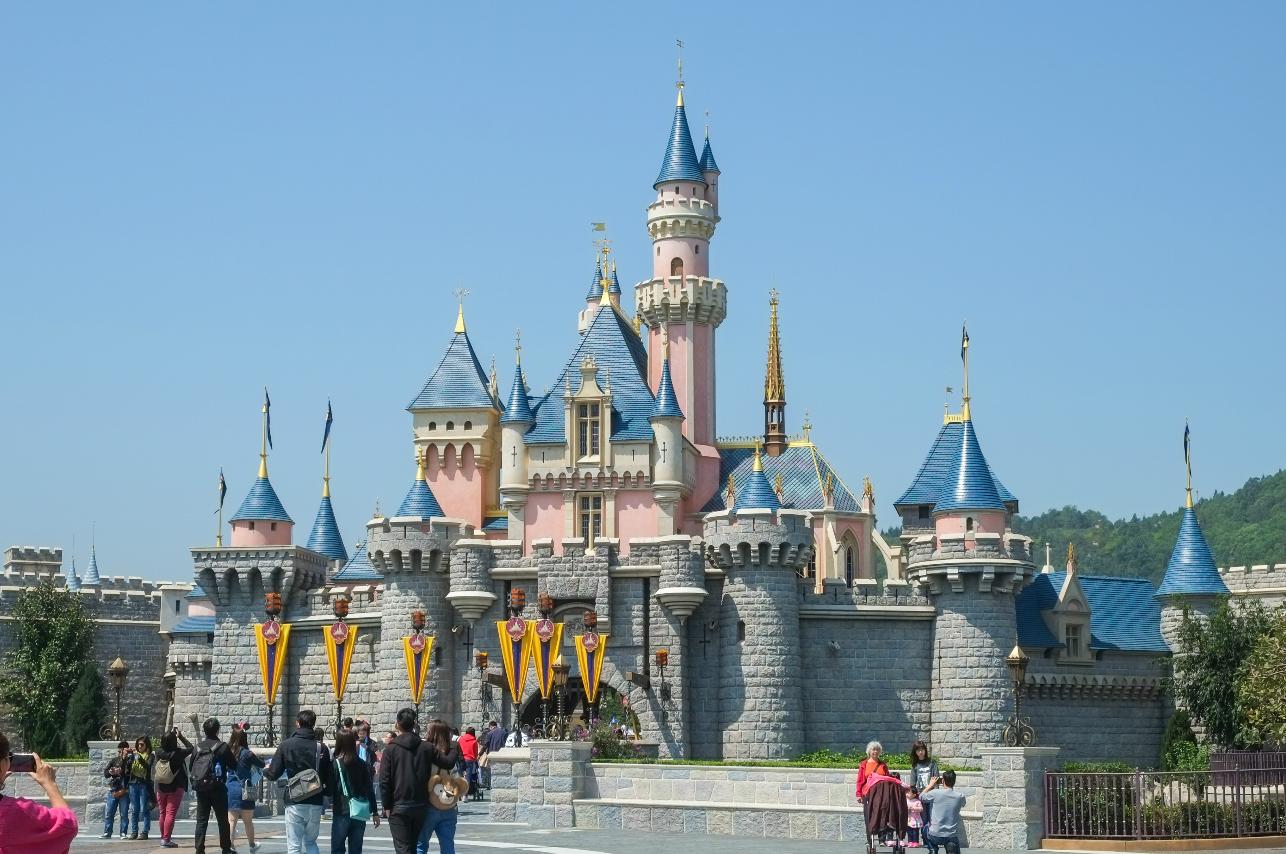 Extraña bacteria acaba con diversión en Disneyland