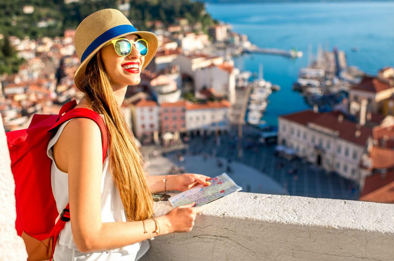 Esto es lo que aprendes al viajar y vivir en otro país (según expertos)