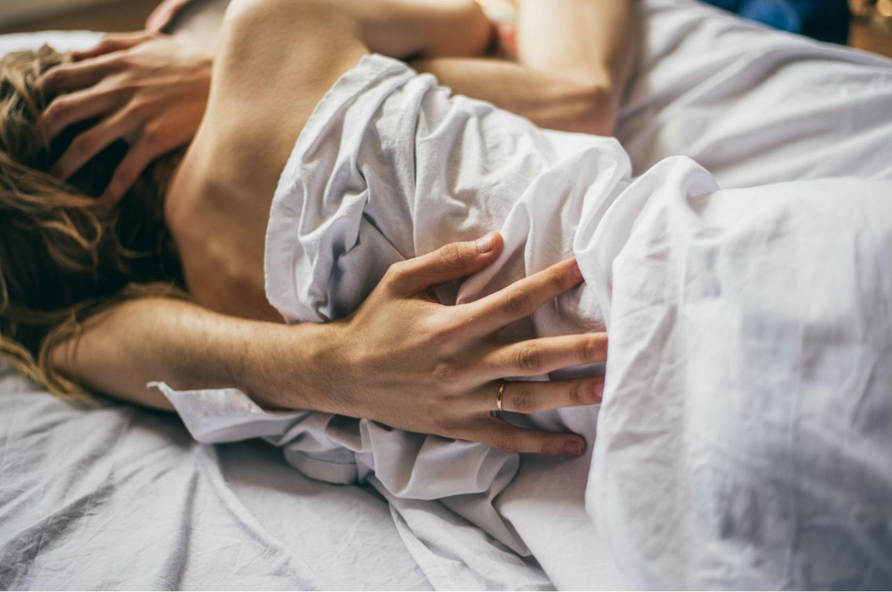 Estas partes de tu cuerpo sólo las acaricia si está muy enamorado