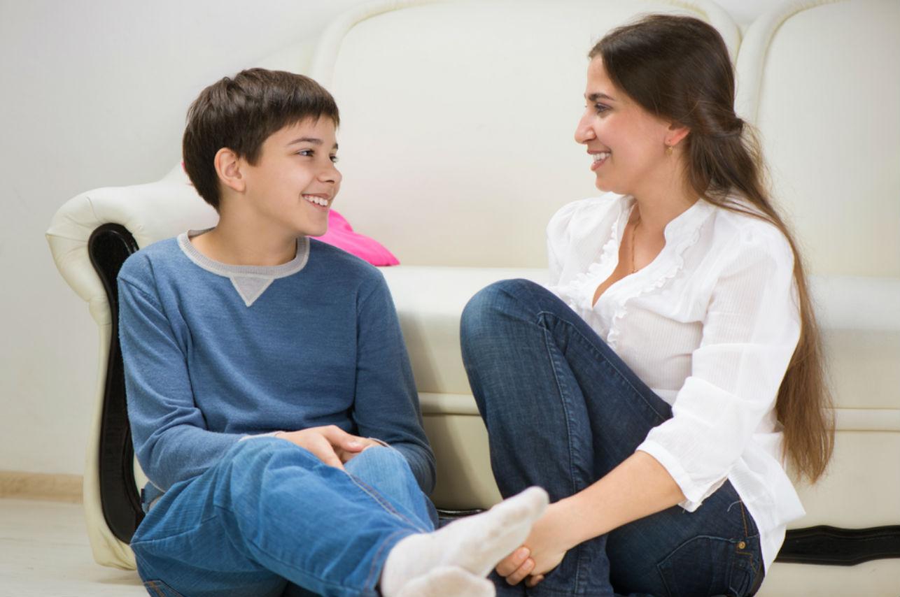 Esta es la mejor edad para hablarle a tus hijos sobre la intimidad