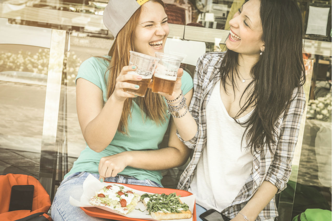 Las mujeres que beben cerveza son fieles (según la ciencia)