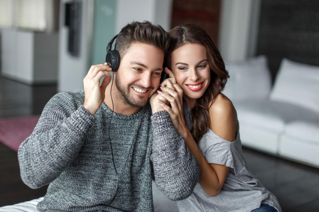 7 canciones para una noche romántica… ¡Sube la temperatura!