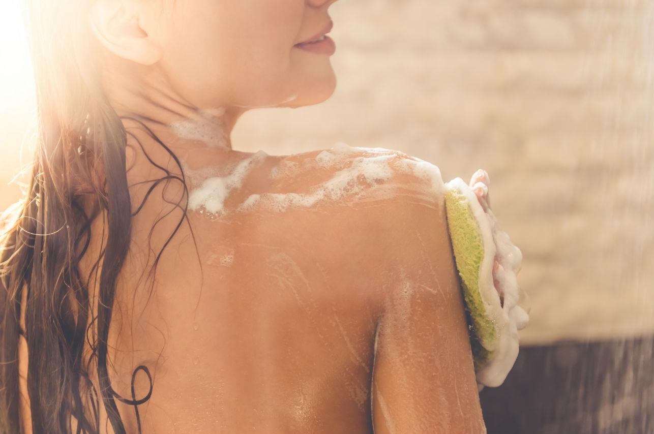 ¿Por qué deberías usar un cepillo corporal a los 30 años?