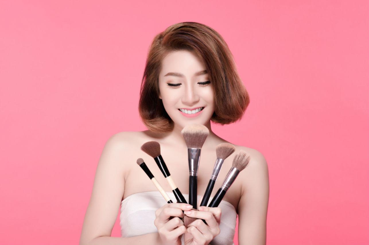 El maquillaje asiático ya trae narices postizas y no sabemos si imitarlo o rechazarlo
