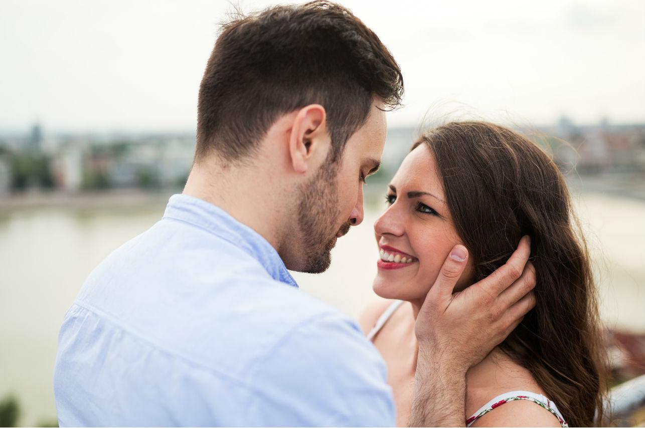12 comportamientos que tiene un hombre que quiere alejarse
