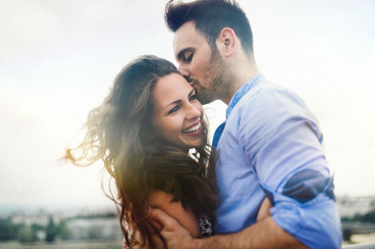 Esta es la forma en la que te enamora un hombre sincero e inteligente