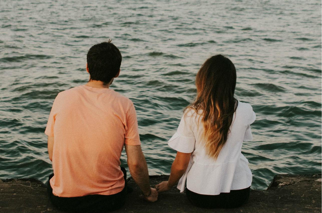 Cuando la soledad llama, el amor desaparece…