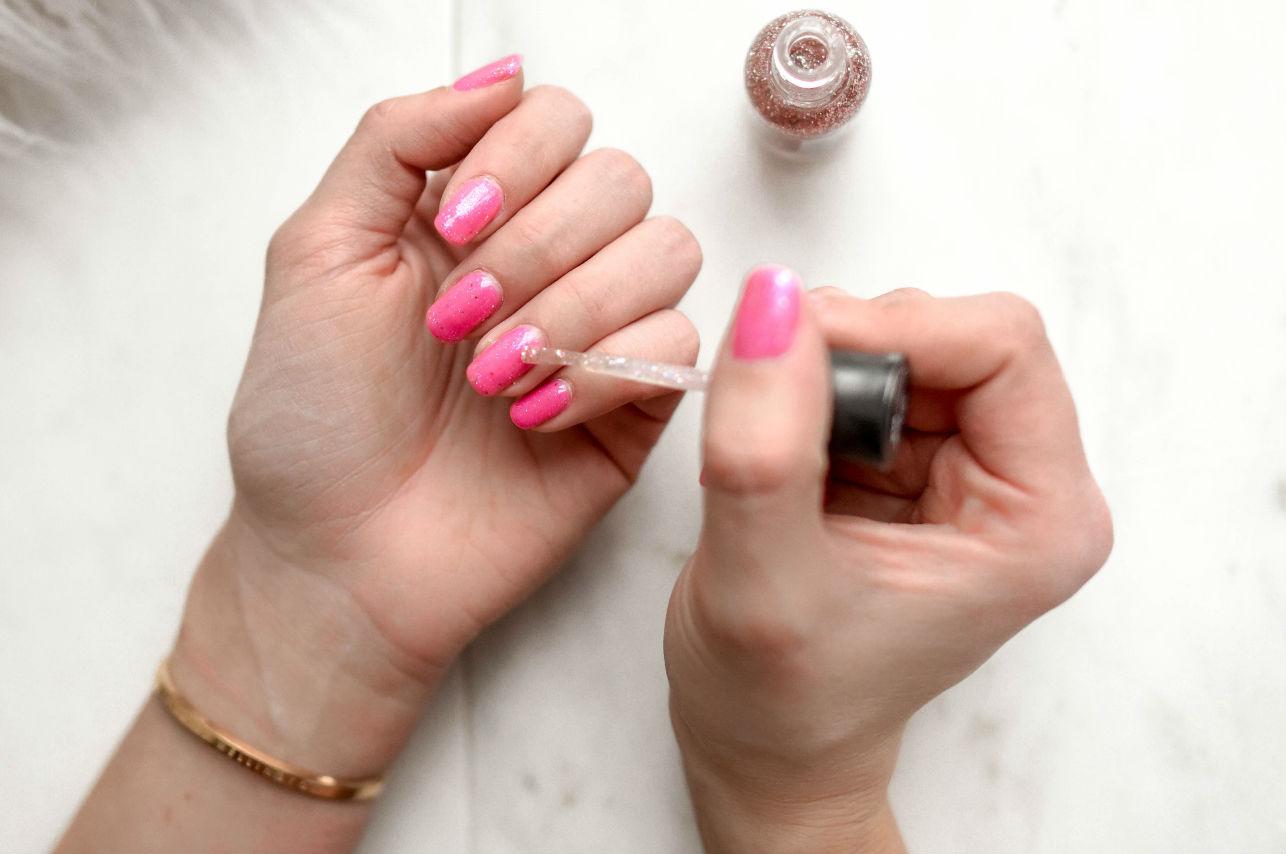 Ideas nuevas para pintarte las uñas en casa ¡Fáciles pero hermosas!