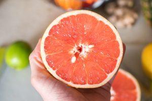 toronja-beneficios-desayuno-fruta-fibra